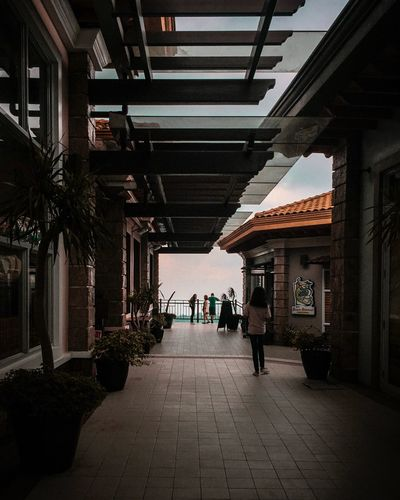 Architecture Built Structure Real People Group Of People Direction The Way Forward Men Day Footpath Outdoors Medium Group Of People Adult People EyeEmNewHere