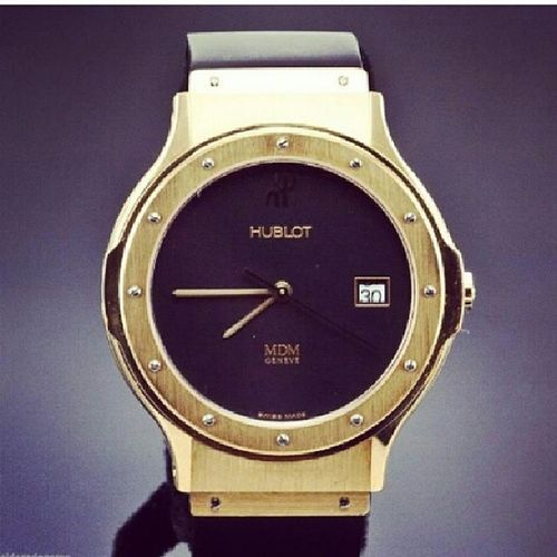 AllGold HUBLOT OhSantayoustillowemeone it's manly but innit why they have boyfriend jacket and jeans!!