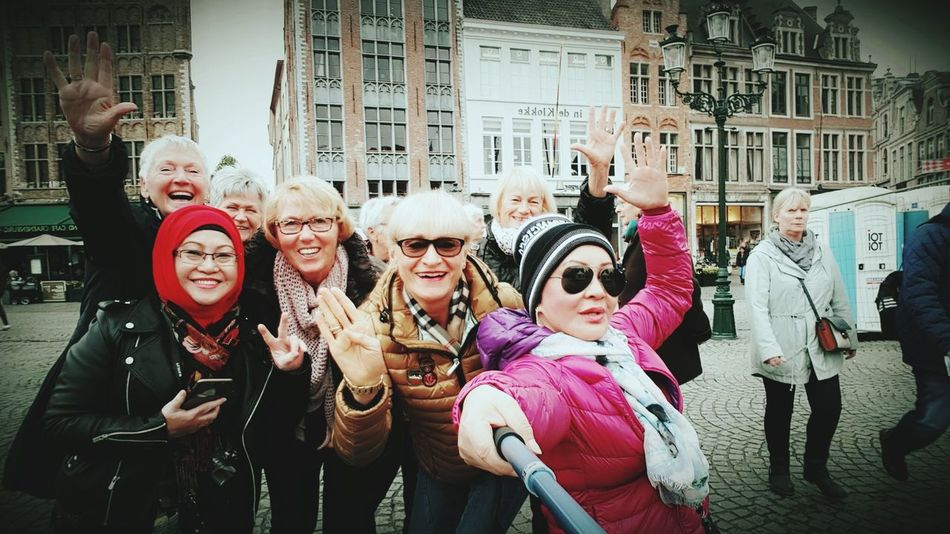 The happy tourists. No. We dont know each other. Travel Photography Brugge, Belgium Travellingwithselfiestick Hello World Fashion&love&beauty For My Own Photo Journal Enjoying Life OldTownBruges Hanging Out