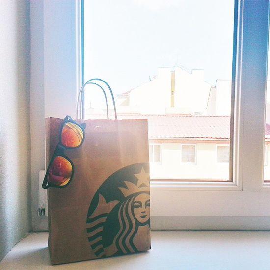 My BFF's present 🎊 Vscocam Present Sweetheart Starbuckscoffee finally18