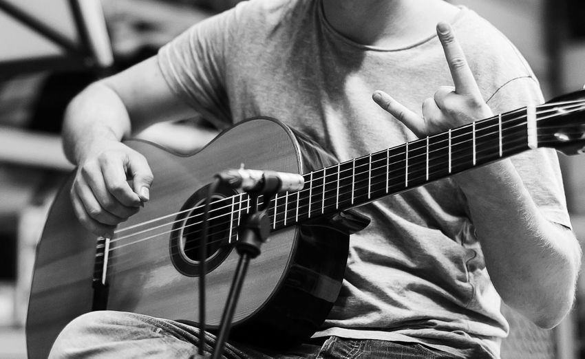 Arts Culture And Entertainment Classical Guitar Guitar Music Musical Equipment Musical Instrument Musical Instrument String Musician Playing Plucking An Instrument Real People String Instrument TakeoverMusic Young Adult Things I Like ThatsMe Equipment Music Is My Life Recording recording session :) Art Is Everywhere