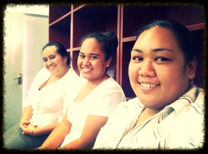 Sitting and waiting for class.hehe. Cheese! OCLA PLPP