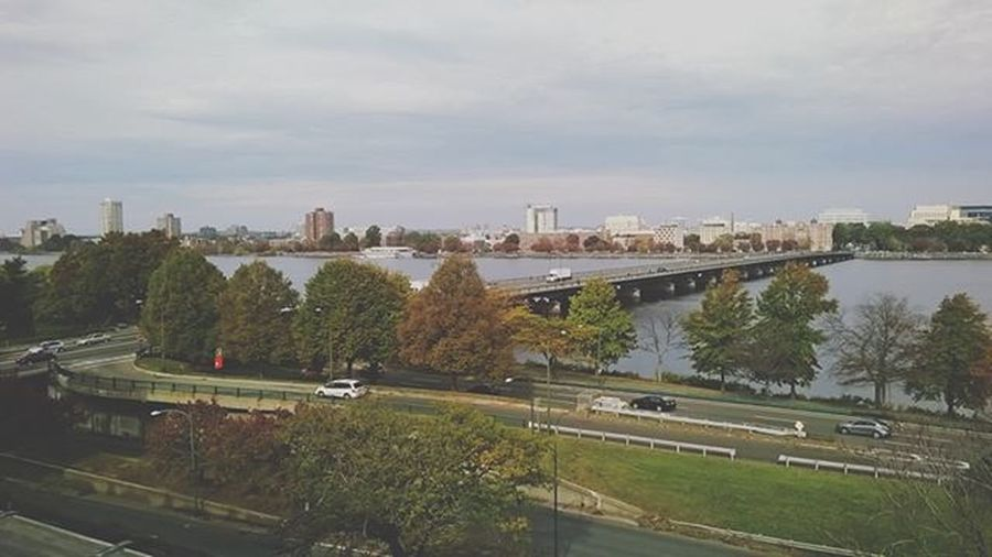 A view of the chaaals Charlesriveresplanade Boston