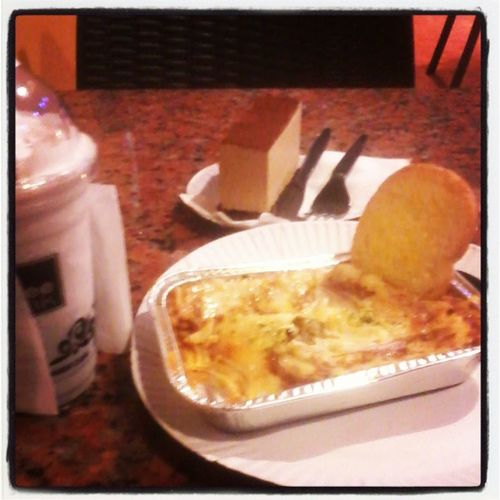BCuz its my bday I have a dinner treat from HIM♡♥.. Lasagna with garlic bread, Blueberry frappe and Cappuccino Dreams!.. thank you.. NotoDIET hahahha..