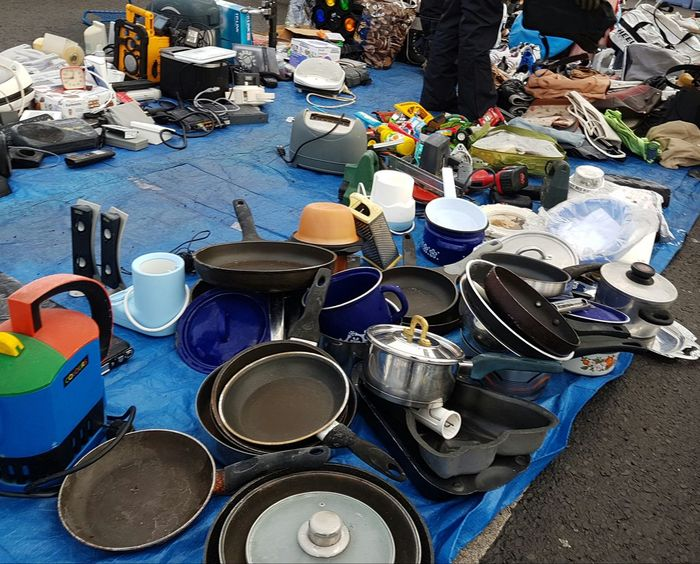 Background Cover Street Market Vintage Market Second Hand Market Second Hand Secondhand Flea Market Flea Markets Fleamarket Cooking Equipment Industry Circulation Street Photography Brocante