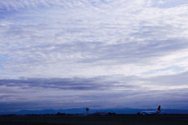 飛行機ちっちゃww eEyemphotographyEEyeEm Nature Lover飛飛行機羊雲 秋