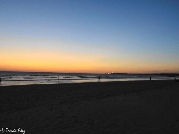 atardecer desde la playa de la fontanilla, conil de la frontera, cadiz, españa Atardecer Gente Anochecer Caña De Pescar Mar Naturaleza Playa Puesta De Sol