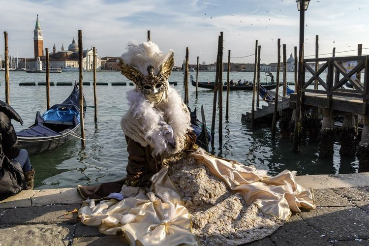 Carnival in Venice 2017 Carnaval De Venise Carnival Carnival Time Carnival In Venice Fun Holiday Lifestyle Amusement  Carnaval Cloud - Sky Costume Costumes Gondola - Traditional Boat Moored Outdoors Real People Venetian Mask Young Woman The Portraitist - 2018 EyeEm Awards
