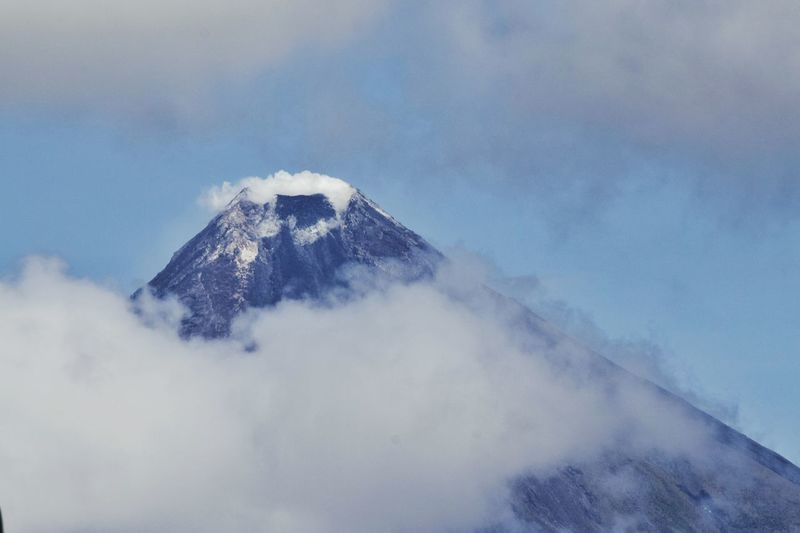 Mountain Nature No People Outdoors Sky Day Mountain Peak 7wondersoftheworld Mayon Volcano Philippines Mayonvolcanotip