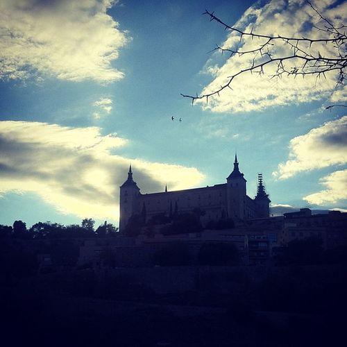 Toledo es siempre una ciudad con embrujo. De vuelta de @fincaconstancia de un Tallerdecata .