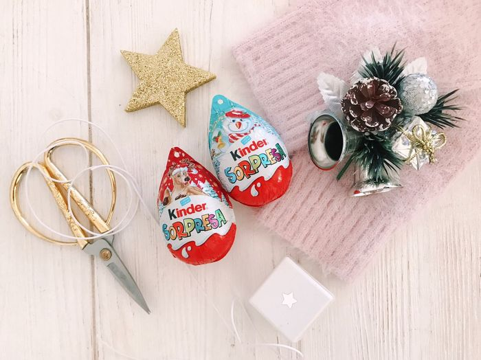 High Angle View Still Life Table Plant No People Indoors  Wood - Material Heart Shape Nature Celebration Holiday Flower Jewelry Directly Above Decoration Christmas Art And Craft Christmas Decoration Creativity Ribbon