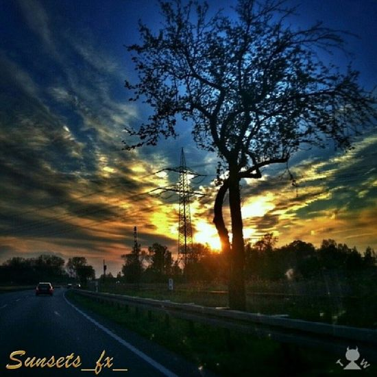 Presenting today's sunsets_fx_ featured artist: elendesteufelsweibchen show your appreciation for this outstanding artist by leaving a like and visit their amazing gallery! For your chance to be featured: follow: sunsets_fx_ tag: #sunsets_fx