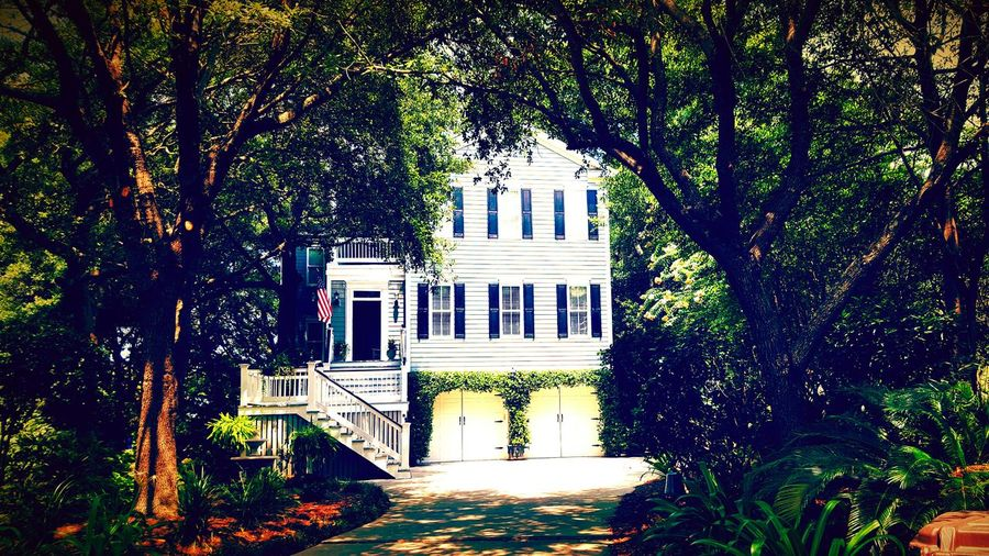 Home Sweet Home ♥ Southern Southern Charm Outdoors Vacations Coastline Beauty In Nature Tourism No People Southern Living Southern Belle Charleston SC Charming Houses Summer Vacation Rentals Southern Charm ~ Day White House Shem Creek Marsh Landing
