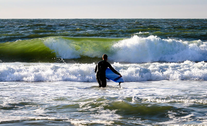 Grüne Welle Enjoyment EyeEm EyeEm Best Shots EyeEm Nature Lover Green Horizon Over Water Lifestyles Motion Nature Photography In Motion Sea Splashing Surf Surfboard Surfer Vacations Water Wave Waves, Ocean, Nature