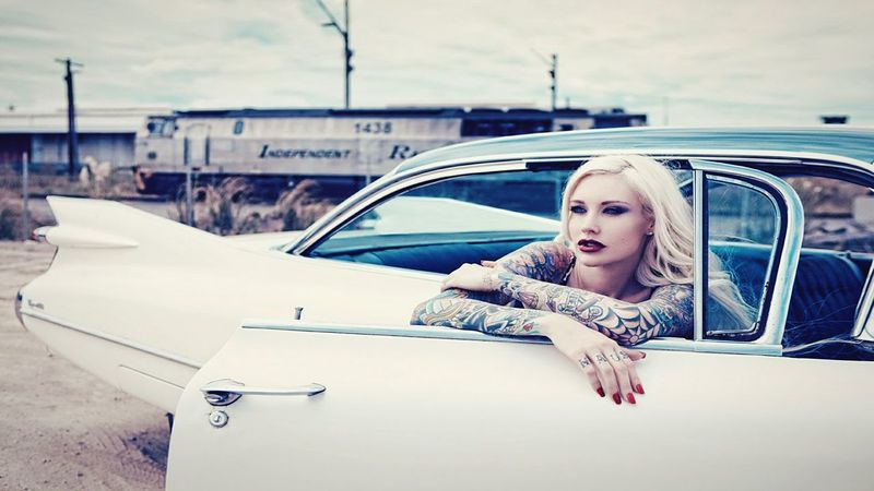 Beautiful Tattoo Lady Love It Today's Hot Look Fashion Photography Cute Artistic Flowers People Loveit Chick Folks Hanging Out Hanging Out Hello World
