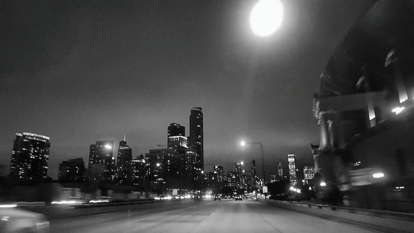 Night drive. Chicago. Photo Of The Day Showing Imperfection Urban Exploration Urban Photography Eyeem Travel Photooftheday Travel Photography Urbanphotography Amazing_captures Eye4photography  EyeEmBestPics EyeEm Best Edits EyeEm Best Shots Streetphotography Chicago Urbanexploration Cityscapes Hwy Drive Photos At Night Cities At Night
