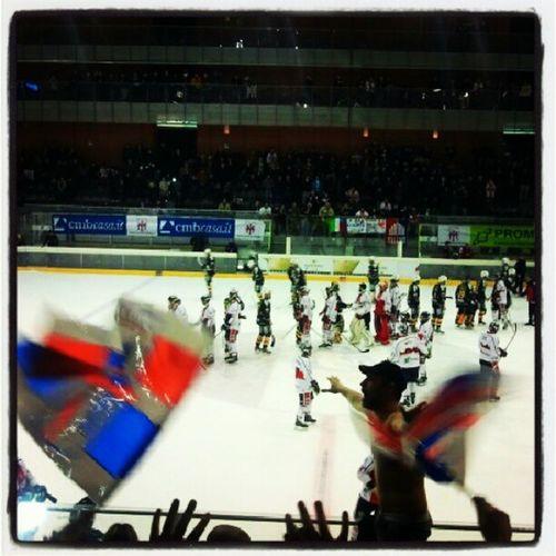 Hockey Hockeylife Hockeymilano Milanorossoblu Saíma Curvadelmilano GRAZIERAGAZZI Sembraimpossibile Viviamodisaima