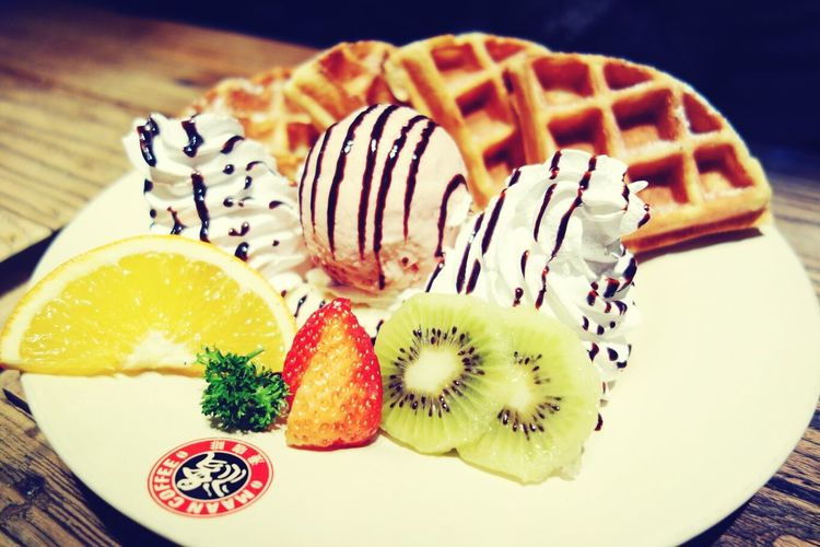 Waffles Ice Cream Dessert Guilty Pleasures ;)