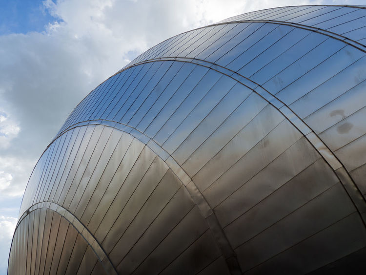 Glasgow Science Centre Architecture Futuristic Glasgow Science Centre  Reflection Blue Sky Blue Sky And Clouds Day Futuristic Architecture No People Outdoors Silver  Silver Colored