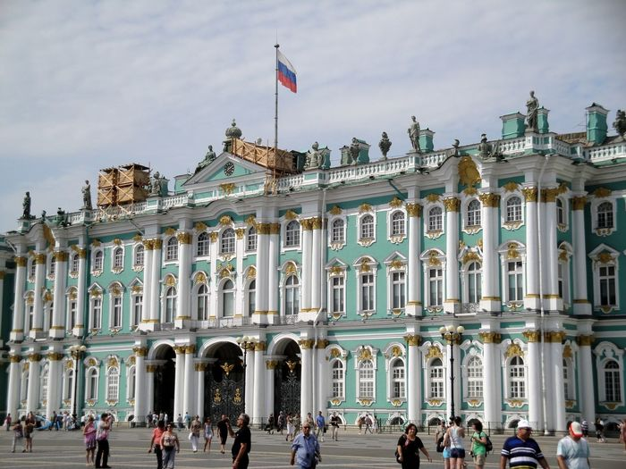 Tourists in front of state hermitage museum