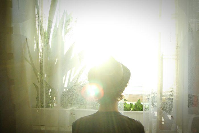 Very sunny day ^^ (At home) Sunny That's Me The Portraitist - 2015 EyeEm Awards Hat Window Light Lemon By Motorola Enjoying Life Russia, St.Petersburg EyeEmRussianTeam