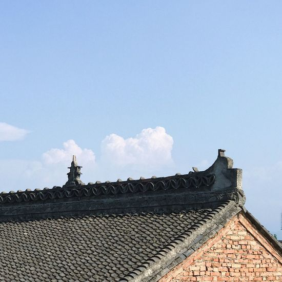 Architecture Built Structure Roof Building Exterior Day Low Angle View Outdoors Sky History Cloud - Sky No People Tiled Roof