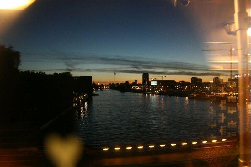 Berlin, du meine Liebe Reflection Turn Your Lights Down Low