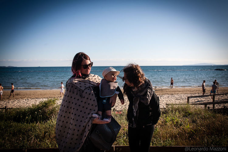 Followme on (click on link) Instagram: https://www.instagram.com/mazzonileonardo/ 500px: https://500p Flickr: https://www.flickr.com/photos/144077438@N06/ Beach Best EyeEm Shot Best Shots Bestoftheday Canon Canonphotography Comunication Eos5d Follonica Friendship Full Frame Full Frame Shot Happiness Horizon Over Water Italian People Italian Place Lifestyles Master_shots Photooftheday Real People Sea Smile Smiling Sun Tuscany