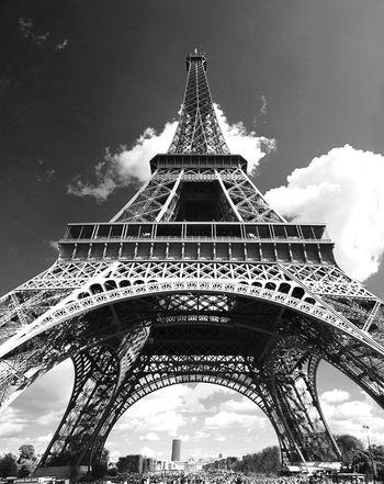 Built Structure Capital Cities  Eiffel_tower  International Landmark Low Angle View Metal Monument Paris World Expo