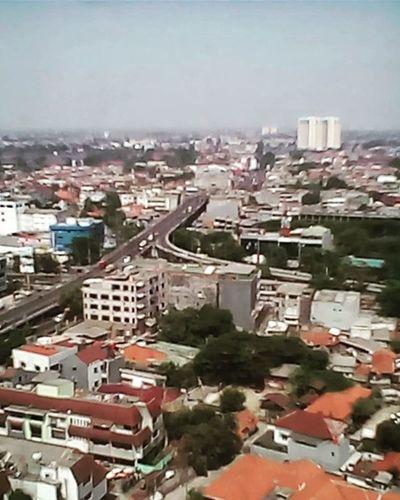 Jakarta kontras banget kalo dari atas Jakarta Kontrast