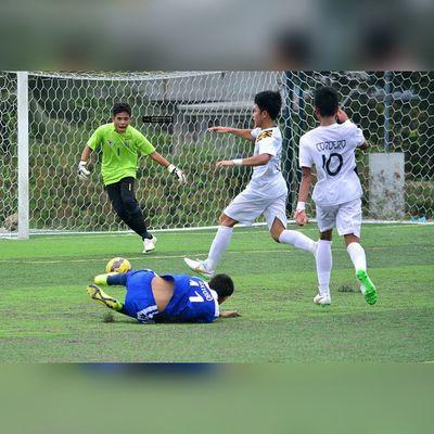 @jarveygayoso was fouled by Cordero inside the penalty box ⚽ . . . UAAP Uaap77 Uaapseason77 ADMUvsUST juniors AdMU UST sbspotlight soccerbible football themanansala