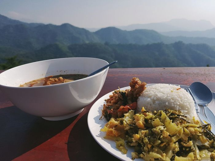 Eat Mountain Plate Close-up Food And Drink Curry Turmeric  Served Noodle Soup Ground - Culinary Ground Coffee Banana Leaf Prepared Food Rice - Food Staple Fried Rice Indian Food Pasta Gravy Coriander Cardamom Clove Mustard Plant Anise Serving Size Serving Dish