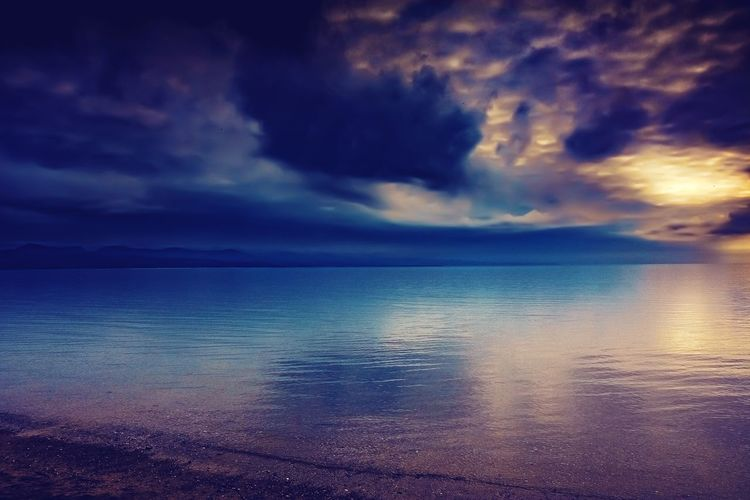 Sky Cloud - Sky Water Scenics - Nature Beauty In Nature Tranquil Scene Tranquility