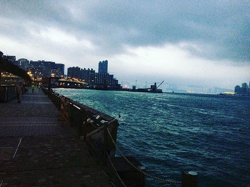 With every ray of light. It brings life to the sea.. Cold December Hk Harbour Beauty Awesome Awesomeearth Imaginelandscape Running Mornings Saturday Keepfit Motivation Instagood Instatravel Picoftheday Phenomenal Theworldguru