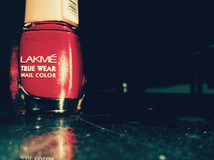 Look who struck a pose for me! My favourite red nail enamel :D Photoshoot Photographylovers Lakmelove Nail Lacquer Joblessness
