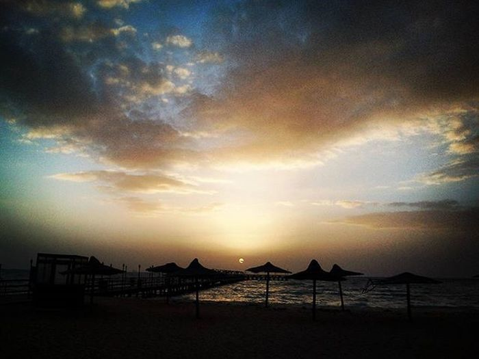 Sunset ,@ Nozha beach. Sunset Sun Evenings Glory Goldenhour Goldenhourphotography Warmeth Goldengram Sunporn Landscape Landscapephotography Beach Egypt Traveler Travelegypt Egyptdailylife Everydayegypt Beautifulegypt VSCO Mobilephotography JDphotography JD
