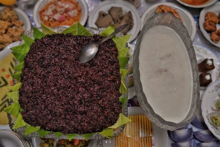 Nasi Ketan Hitam (Black Sticky Rice) Rice - Cereal Plant Rice - Food Staple Rice Black Food Drink Food And Drink Prepared Food Serving Dish Delicious Tasty Aceh Dish Dishes Eating Traditional Directly Above High Angle View Raw Food Close-up Food And Drink Various Display The Foodie - 2019 EyeEm Awards The Creative - 2019 EyeEm Awards The Photojournalist - 2019 EyeEm Awards My Best Photo