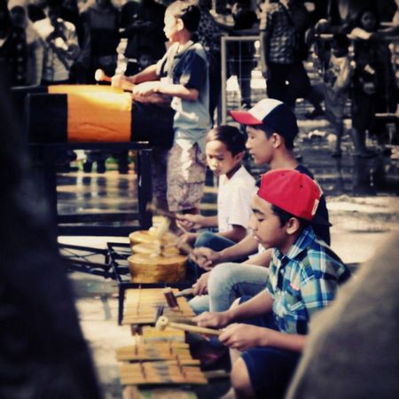 Living Bold Street Musician Traditional Art Traditional Instruments Children Creativity Street Community INDONESIA Visitindonesia Malang