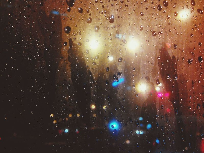 Kiss the rain~ Photos Rain Kk City Monsoon Country This Is My Life My Point Of View Twominutehipster City Lights One Filter Limit