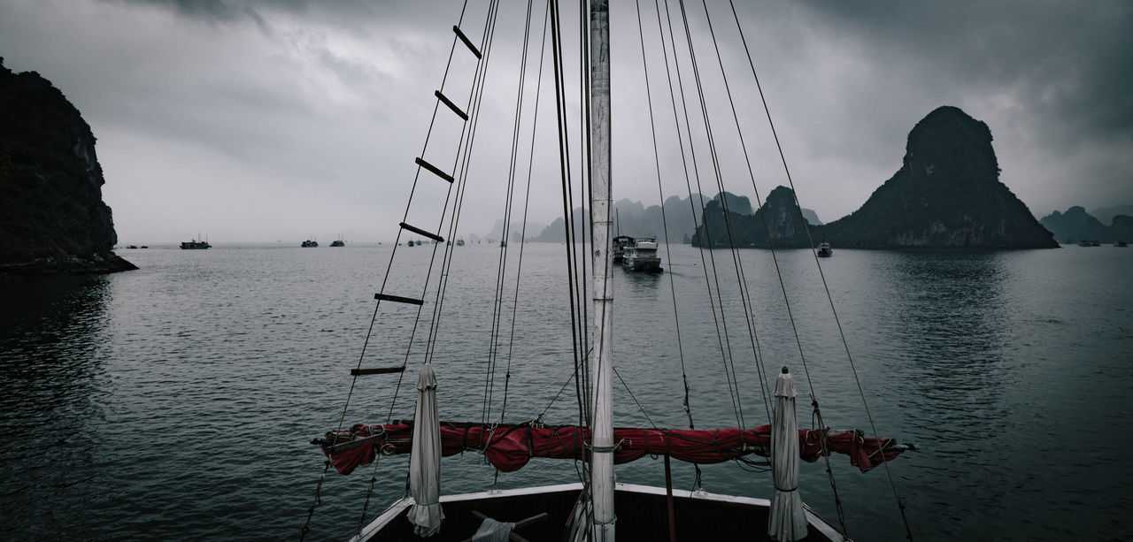 Boat trip in the Ha Long Bay, Vietnam ASIA Bay Beauty In Nature Boat Boats⛵️ Cloud - Sky Cruise Cruise Ship Day Halongbay Mast Mode Of Transport Mountain Nature Nautical Vessel No People Outdoors Scenics Sea Sky Tranquility Transportation Vietnam Vietnamese Water