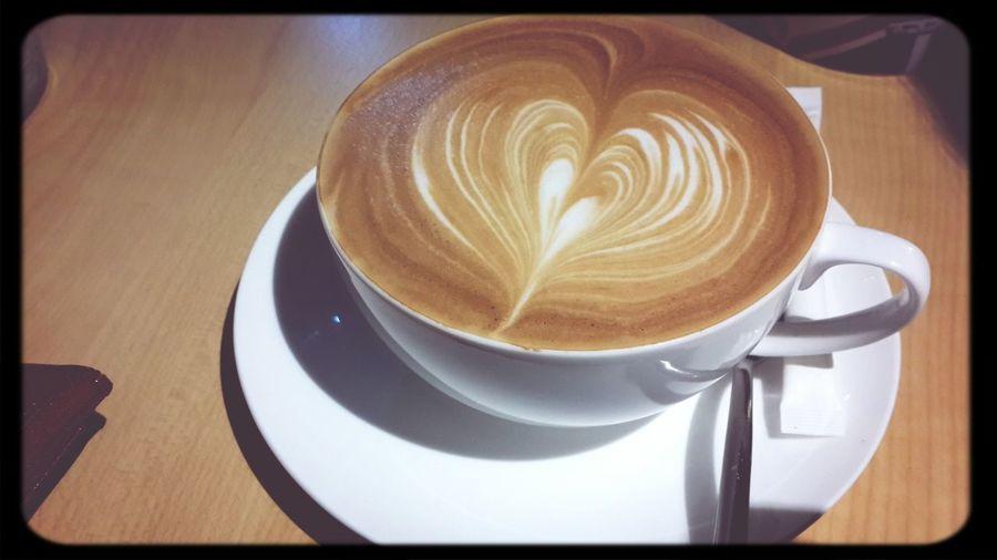 初秋乍到;倍感溫暖。 Trio Cafe Latteart Heart ❤ Taiwan Taipei