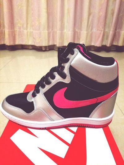 從日本來的新鞋鞋~ Skyhi Nike Shouse Taiwan