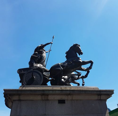 Statue Sculpture Animal Representation Fountain Horse Travel Destinations Sky History Outdoors Horseback Riding Clear Sky Low Angle View No People Blue Day Architecture City King - Royal Person Politics And Government Looking Up😍