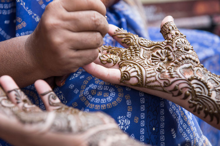 Delhi EyeEm Best Shots EyeEm Nature Lover EyeEmNewHere India Art And Craft Blue Body Adornment Creativity Design Finger Hand Henna Tattoo Human Body Part Human Hand Skill  Tattoo Women