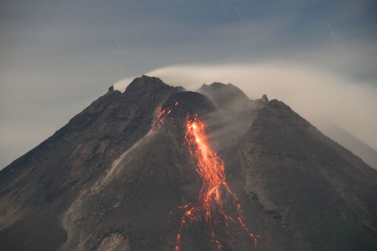 The night scape of the eruption of mount merapi