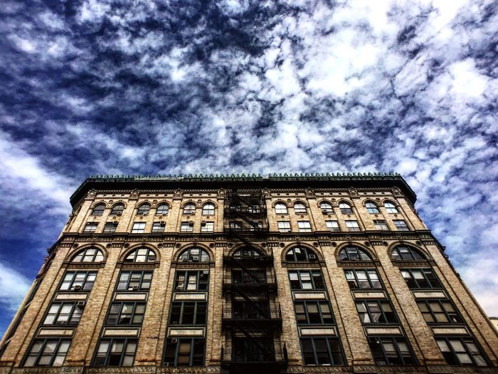 Soho Blue Skies Love Warm IPhoneography Iphone6plus 18mm Moment Lens Moment From Where I Stand Showcase March New York State Of Mind NYC Photography Urbanphotography Travelgram Travel Photography Clouds Spring Architecture New York City Soho Style EyeEm Building