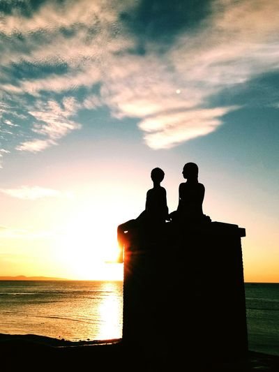 Silhouette Sunset Dusk People Sky Togetherness Two People Sea Water Outdoors Beach Adult Night Nature Adults Only Only Men