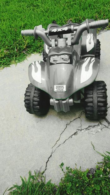 Riding good!!!! StreamzooPics Powerwheels Colorsplash Picsart 4x4ing Toy Photography Offroad Streamzoo Family