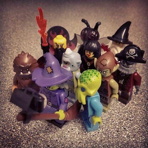 """Is everyone in?!"" Broomstickselfie 🎃👻Happy Halloween everyone!!👻🎃 Legophotography Legominifigures Bricknetwork Brickcentral Womenintoyphotography Legohalloween Bnspooks Vitruvianbrix Halloween"