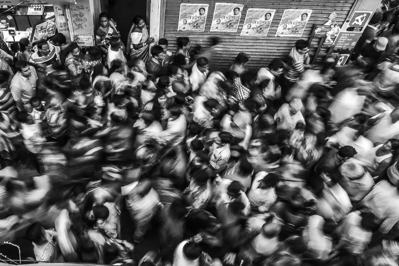 People's Flow Monochrome Blackandwhite Candid Moments TheWeekOnEyeEM Slowshutter Kolkata India Streetphotograhers Streetphotography Market Outdoors Mobility In Mega Cities
